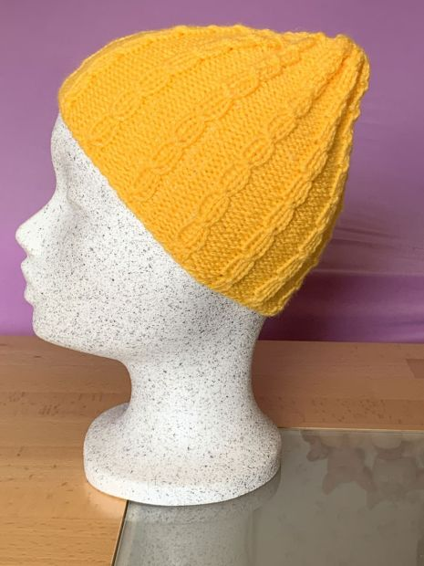Yellow cable knit hat for the little ones