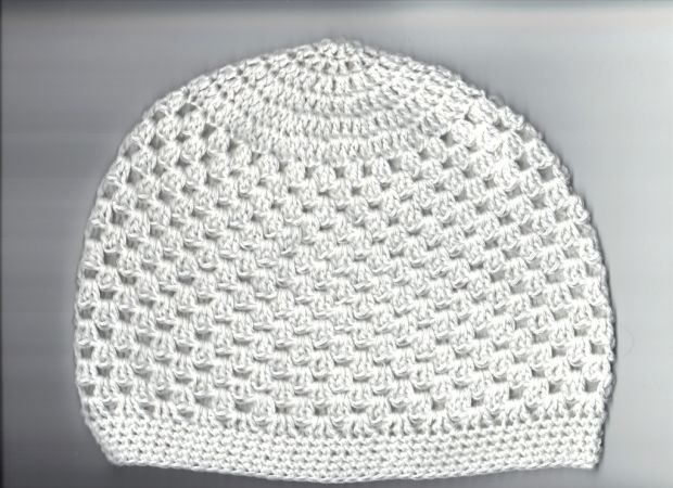 handcrochted beanie white