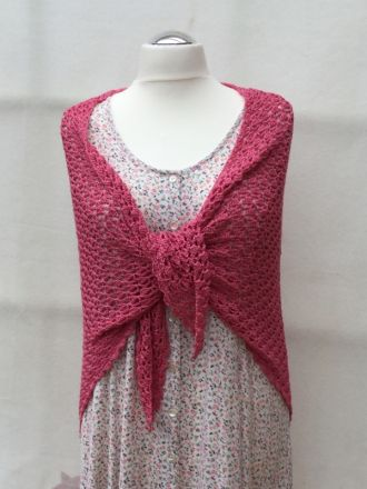 Shawl in pink
