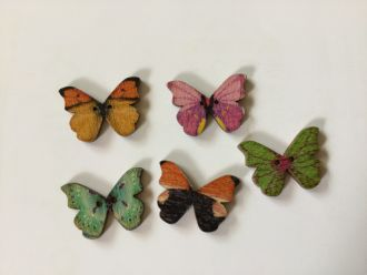 5 wooden buttons butterfly